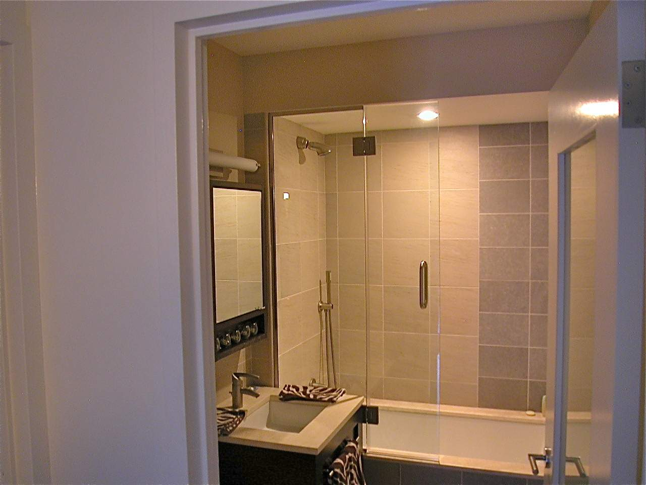 splash-door* copy - Manhattan Shower Doors